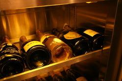 厳選したワイン取り揃えております。