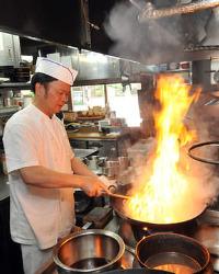 料理長が作る本場広東の味が身近で味わえます。