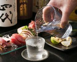 今日一日の疲れを癒やす美味しい料理と美味しいお酒で今宵も一献