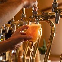 世界各国のクラフトビールを取りそろえております!