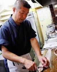 和食一筋42年、厳選された食材を丁寧に調理致します。