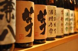 焼酎・日本酒各種とりそろえております。