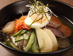 この季節におすすめ!〆の冷麺!