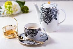 茶葉からこだわる紅茶もぜひ一度ご賞味ください!