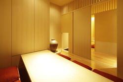 完全個室はご予約も承っております。接待やご会食にもどうぞ。