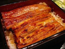 愛知・一色産 高知・四万十産の国産活鰻を使用。