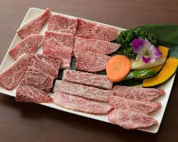【旨味あふれる国産牛】 肉本来の旨味を存分にご堪能ください
