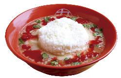 当店の人気商品の一つ「トマトチーズラーメン」!