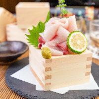 自慢のもつと美桜鶏を贅沢に使用した絶品メニューが多数