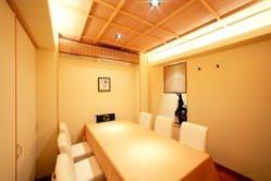 個室は、4~6名様迄・18名様・ 約22名様のタイプをご用意。