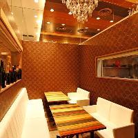 <秘密の個室>記念日やデート・女子会にも最適な個室です。