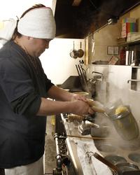 ■こだわりスープに合わせる麺 ≪細麺・手もみ麺・極太麺≫