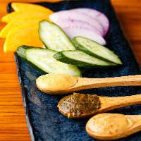 当店在籍の味噌ソムリエ厳選の全国各地の味噌を様々な調理!