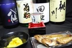 田酒や八仙、桃川、菊駒など、地酒もございます。