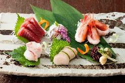 和の寅福空間では、季節の本格日本料理もお楽しみいただけます。