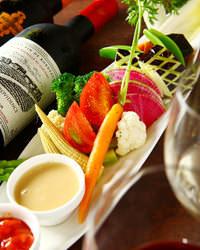 ☆ワインで乾杯☆彩り豊かな料理は女性も喜ぶ料理内容です♪