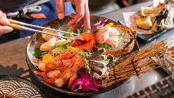 【鮮魚自慢】 旬の魚を贅沢に盛り込みます!日本酒とも相性◎