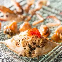 新鮮な生の渡り蟹を醤油に漬けて熟成させたカンジャンケジャン