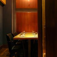 【扉付き完全個室】扉付きテーブルタイプの完全個室です♪