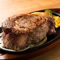 とにかく一度は味わってほしい肉厚ステーキ♪