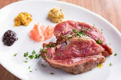 お肉は超低温で火入れしてじっくり時間をかけるので柔らかい!