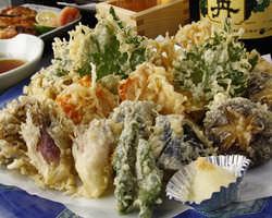 【完全予約制】季節の旬の物をカラッと揚げた天ぷらは人気です☆