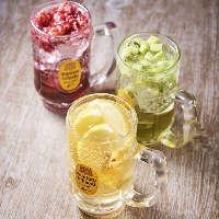 乾杯におすすめのスパークリングは、升にこぼれる程にナミナミと