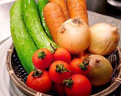 """新鮮なお野菜""""旬菜""""が皆様のテーブルを鮮やかに彩る"""
