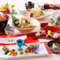 【厳選素材】 旬の新鮮な魚、地元の野菜、選び抜かれた食材たち