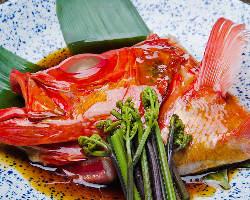 金目鯛のかぶと煮。お酒の肴にぴったりです。