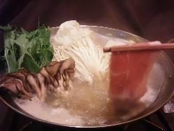 人気の塩麹豚しゃぶをはじめ、多数お鍋をご用意してます。