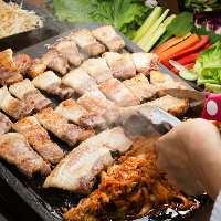なんと十数種類の野菜が食べ放題! 激ヘルシーサムギョプサル!