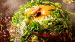【鉄板焼き】 肉汁が溢れ出す牛ステーキはボリューム満点!