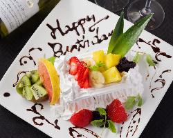 記念日×誕生日は当店で!素敵なプレートご用意いたします。