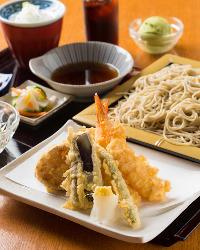 [ランチも営業] 定食各種(コーヒー・デザート付)せいろ蕎麦700円~