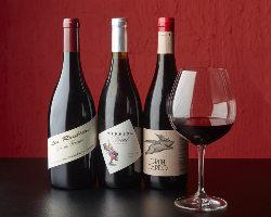 フランス産やスペイン産のワインを中心に10種揃えました