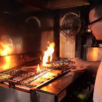 【自慢の炙り料理】 魚の炙り焼きとお肉もオススメ♪