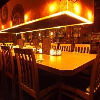 円卓は最大15名様ま利用できるので宴会スペースとしても人気