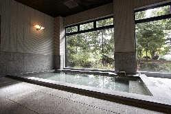 天然鉱石風呂「トゴールの湯」