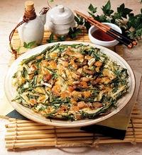 韓国料理といえばサムギョプサルの次には海鮮チヂミ☆大人気♪