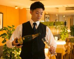 [プロが厳選] 100種類以上のイタリアワインはソムリエセレクト