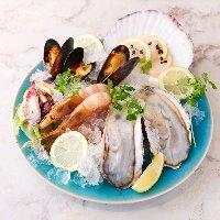 新鮮な魚介料理とお酒を楽しんで♪超コストパフォーマンスバール