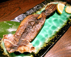 北陸富山産直干物。その他旬のお刺身などをそろえております。