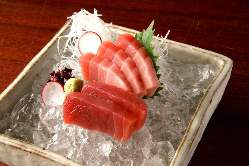 毎日仕入れる鮮魚のお造りや焼き物は酒の肴にもぴったり