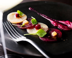 素材にこだわり、味はもちろん見た目にも美しいSNS映えする料理