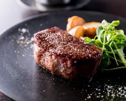 伊達赤牛の最高級の部位の一種『アントレコート』の絶品ステーキ