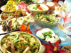 自慢の沖縄料理が満載♪ ご宴会ならお得なコースがお薦め!!