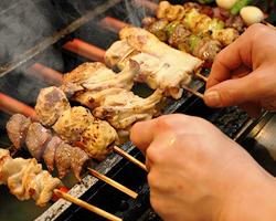 マスターが伝統の味を継承 とり安ブランドのヒナ肉