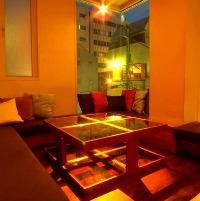 時間を忘れてお食事とお酒をお楽しみいただける空間作り。