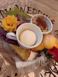 デザートは生花等つかった記念日仕様にも。(生花は季節限定)